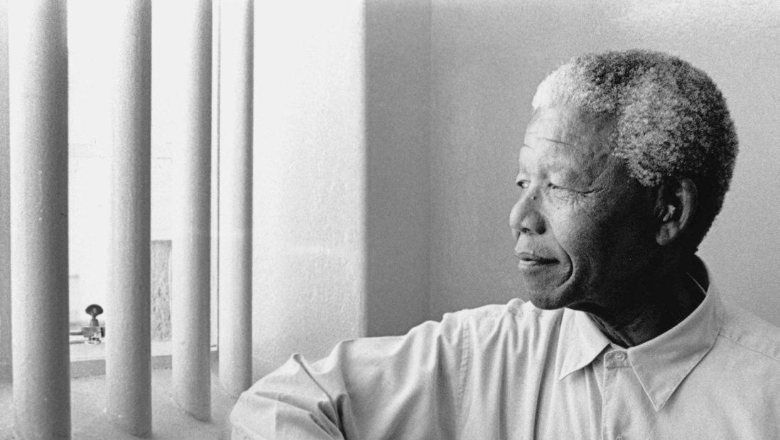 یادداشتهای زیرزمینی: نامههای زندانِ نلسون ماندلا